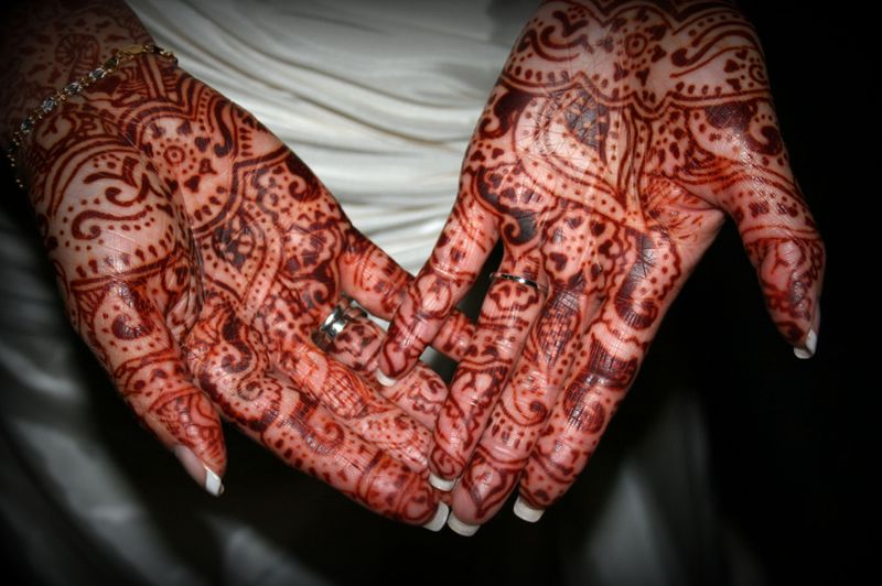 Hennaed hands )~ The most glorious Indian-Chinese wedding, EVER!!!